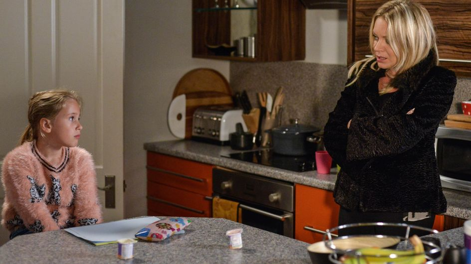 Eastenders 08/12 - Things Go From Bad To Worse With Roxy