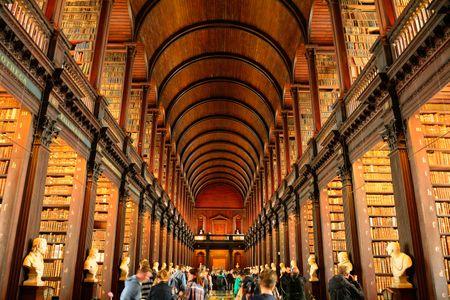 Librería del Trinity College. (Dublin)