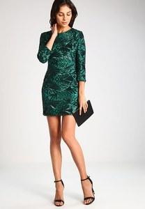 La robe TFNC, 75 euros sur Zalando