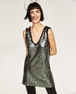 Une robe à paillettes pour faire la fête