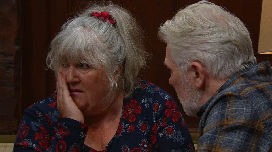 Emmerdale 14/12 - Lisa Goes On A Date