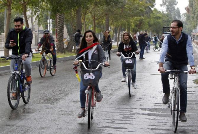 """Marina Jaber """"l'Irakienne à vélo"""" qui brise les tabous"""