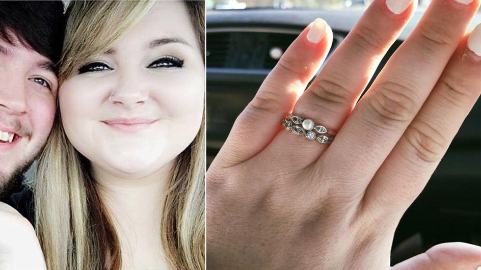 """Eine Verkäuferin lästert über ihren """"billigen"""" Verlobungsring - doch sie erteilt ihr eine Lektion"""