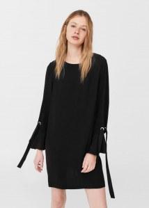 La petite robe noire Mango, 49.99 euros