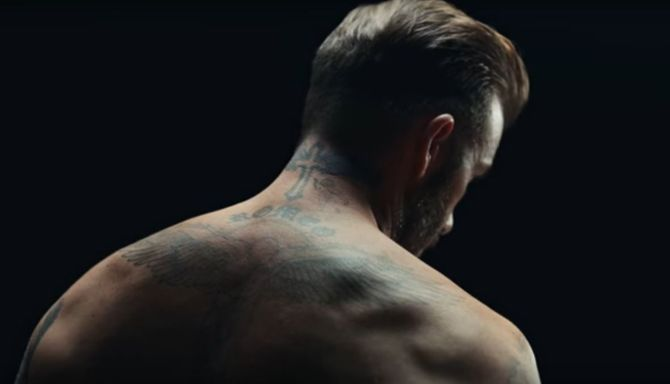 Les tatouages de David Beckham s'animent contre les violences infantiles