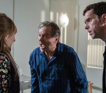 Emmerdale 19/12 - A Confused Ashley Leaves The Hospital...