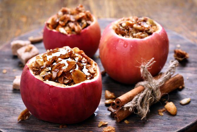 Manzanas al horno con granola de nueces