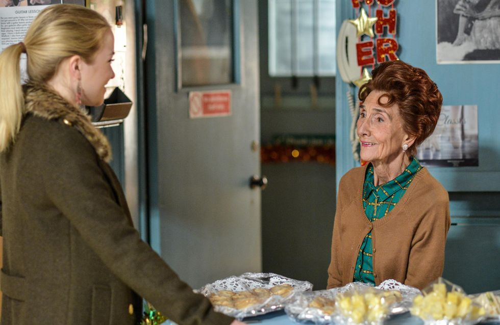 Eastenders 24/12 - Dot Closes Up For The Final Time