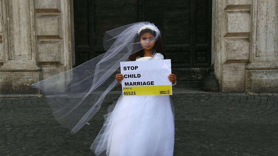 """Le mariage d'une ado de 13 ans enceinte avec son """"violeur"""" révolte la Tunisie"""