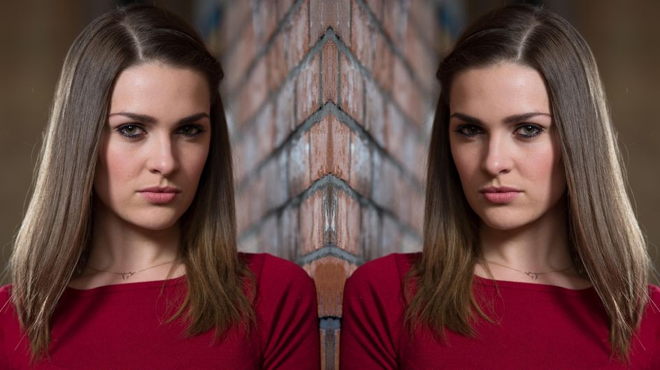 Hollyoaks 03/01 - Sienna Asks Warren To Leave Hollyoaks With Her