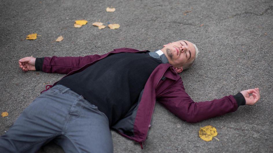 Hollyoaks 04/01 - Sienna Knocks Joel Unconscious