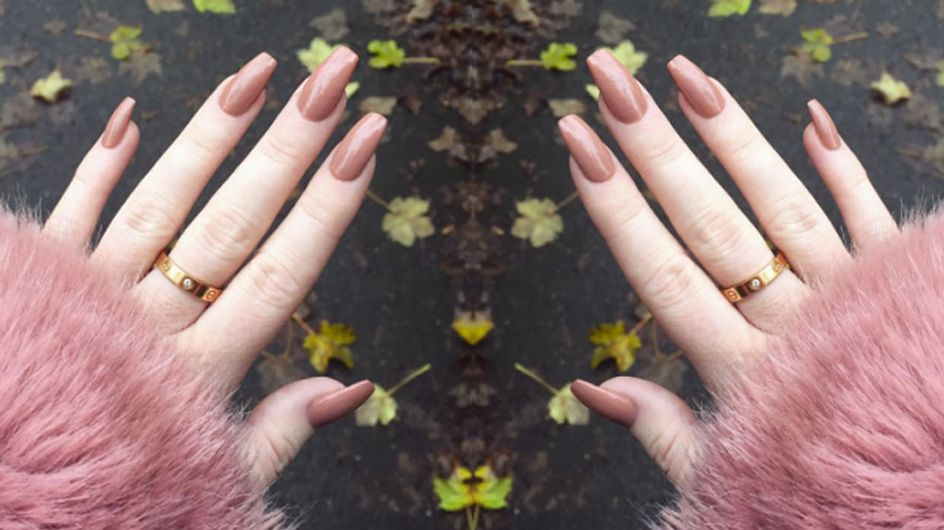 This Blogger Showed Us The Reality Of Acrylic-nail Addiction and It Looks Painful AF