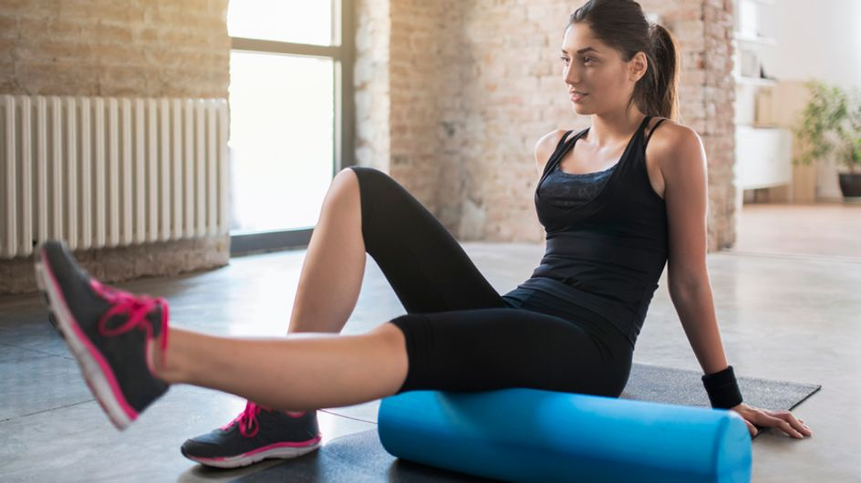 ¿Conoces el foam roller? Descubre los usos del nuevo accesorio fitness de moda