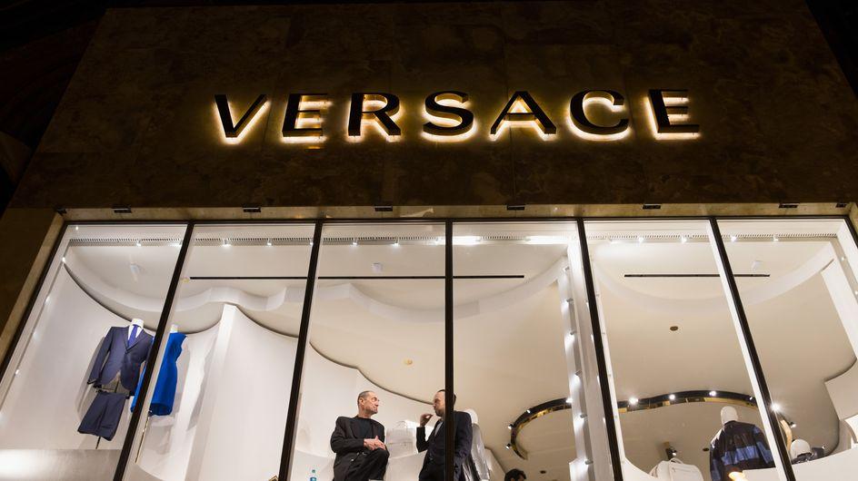 Versace raciste ? C'est ce que clame un ancien employé (Photos)