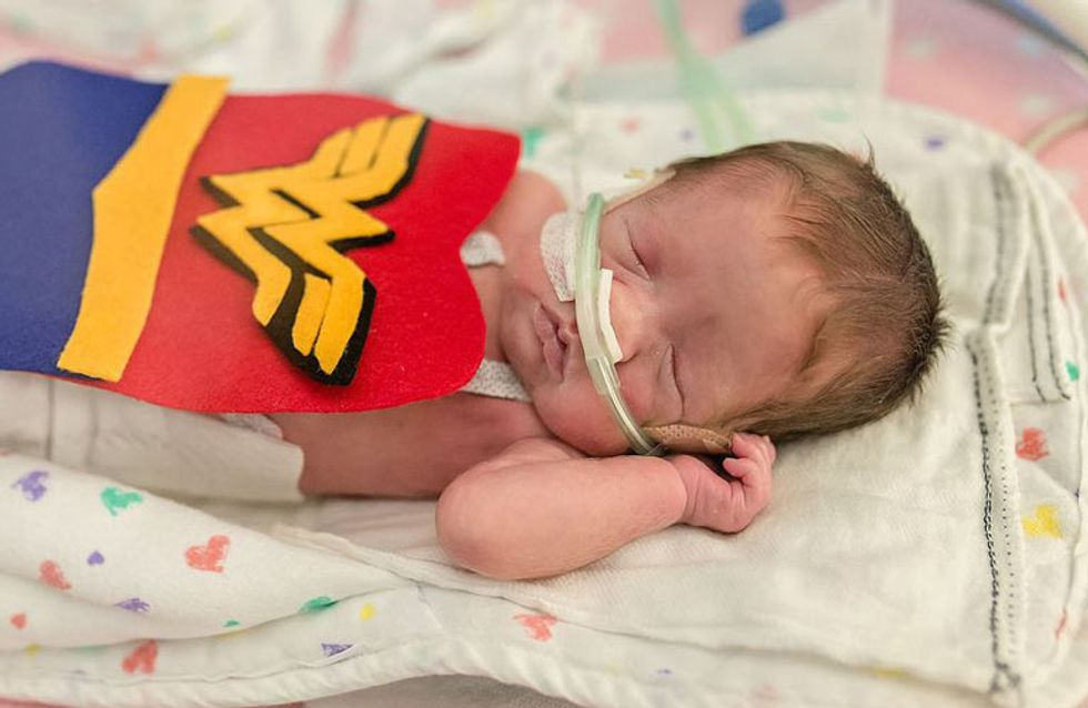 Este hospital vistió a los bebés prematuros de superhéroes para animar a sus padres