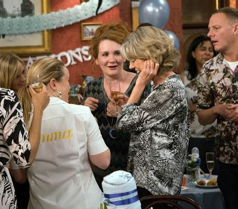 Coronation Street 09/01 - Michelle Gets An Unwelcome Surprise