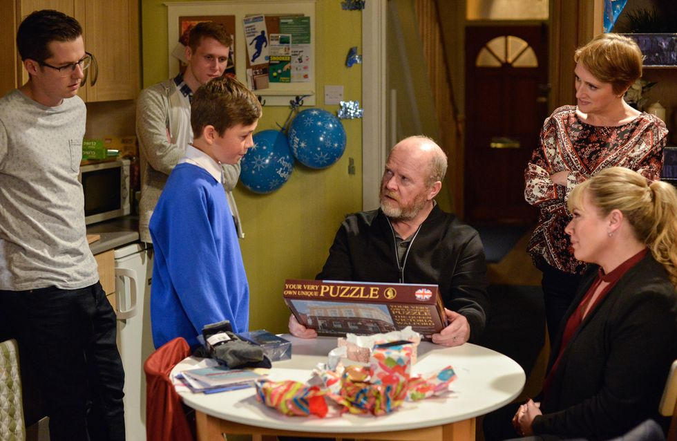 Eastenders 16/01 - Phil Drops A Bombshell