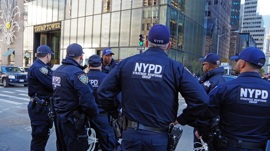 Les déclarations de la police de New York sur le viol nous font bouillir de rage
