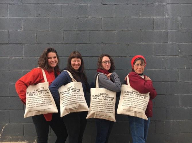 Ce sac a permis de recueillir 20 000 dollars pour le Planning familial