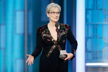 Meryl Streep recibiendo el premio Cecil B. DeMille