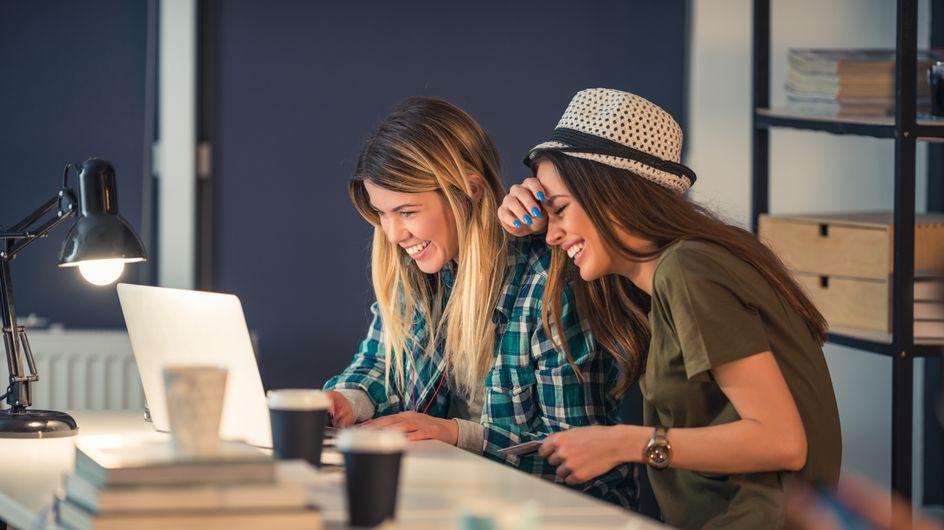 Ein Hoch auf die Frollegen: 13 Gründe, warum Kollegen manchmal die besseren Freunde sind