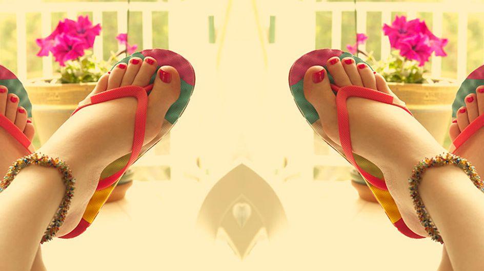 Como prevenir pernas e pés inchados durante o verão