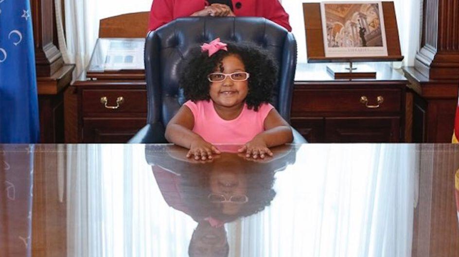 A seulement 4 ans, cette fillette a déjà lu plus de 1000 livres