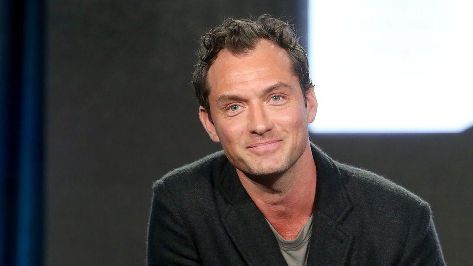 Devinez quel enfant de Jude Law est la nouvelle égérie Burberry (photos)