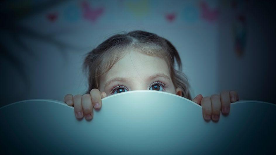 ¿Tu hijo tiene miedo a dormir? Toma nota de los mejores consejos para ayudarle a superarlo
