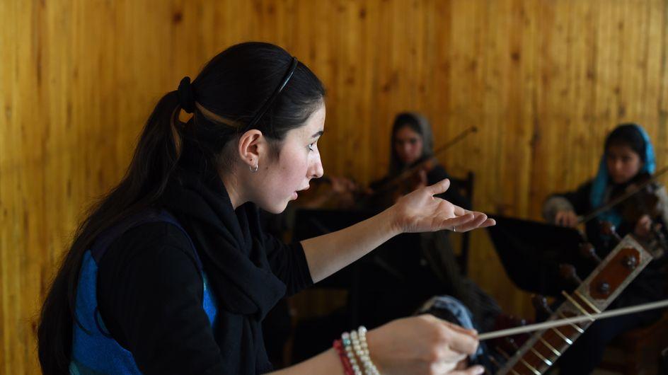 La femme de la semaine : Negina Khpalwak, première Afghane chef d'un orchestre 100% féminin