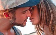 5 cose che piacciono agli uomini mentre baciano (e che fanno salire la temperatu