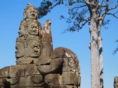 Escultura em Angkor Wat