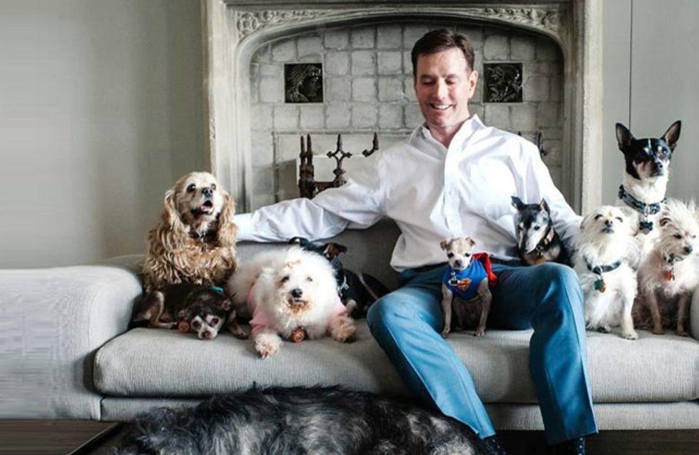 La historia del hombre que dedica su vida a adoptar animales que nadie quiere