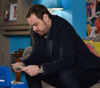 Eastenders 09/02 - The Carters Are Under Pressure Thanks To Babe