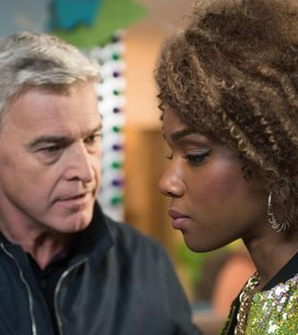Hollyoaks 10/02 - Mac And Lisa Are On Edge