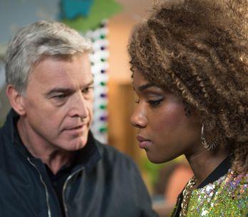 Hollyoaks 10/02 - Mac And Lisa Are On Edge