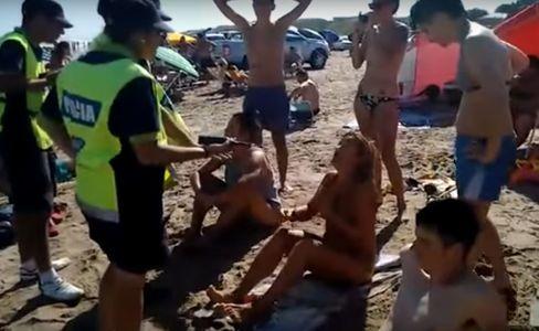 Menacées d'arrestation pour avoir bronzé topless en Argentine