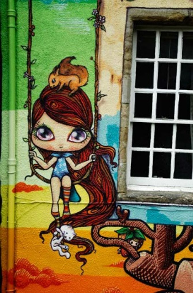 Obra da grafiteira Nina