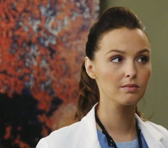 Quand Meredith et Joe de Grey's Anatomy reproduisent le shooting de grossesse de