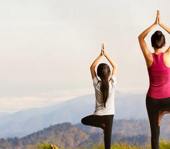 ¿Yoga? ¿Matronatación? 4 actividades originales que querrás poner en marcha con