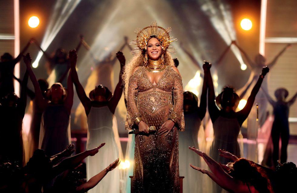 Enceinte, Beyoncé éblouit les Grammy Awards avec une prestation grandiose (Photos et vidéo)
