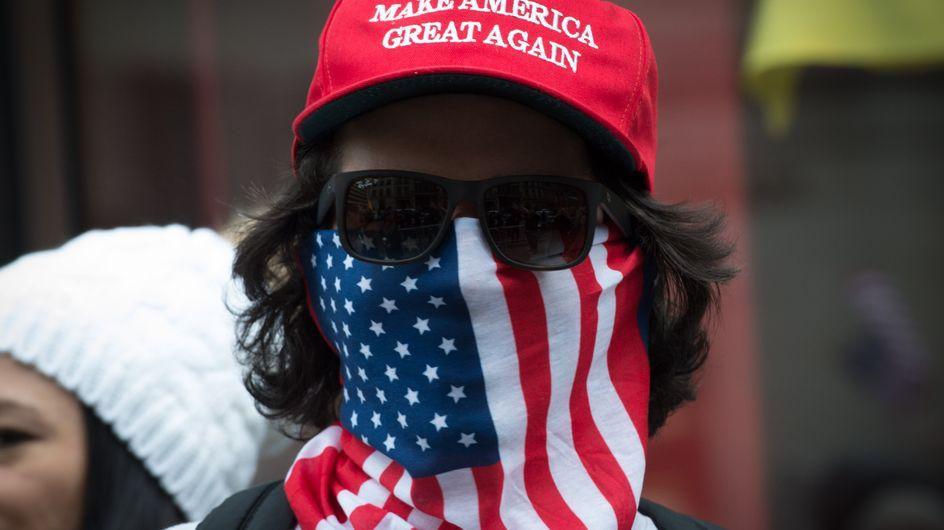 """Les """"Angry White Men"""", ces hommes très en colère qui déclarent la guerre aux femmes (Vidéo et photos)"""