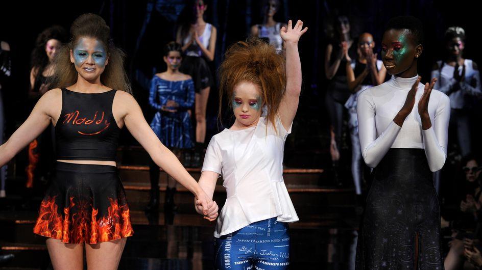 Et on félicite Madeline Stuart, première mannequin trisomique à lancer une collection de prêt-à-porter casual (Photos)