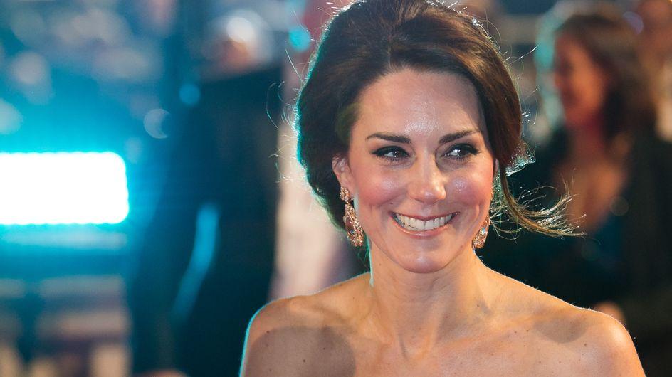 Quand Kate Middleton se rend aux BAFTA Awards, ça ne déconne pas (Photos)