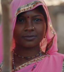 Tal rend hommage au Gulabi Gang, ces Indiennes qui se battent contre les violenc