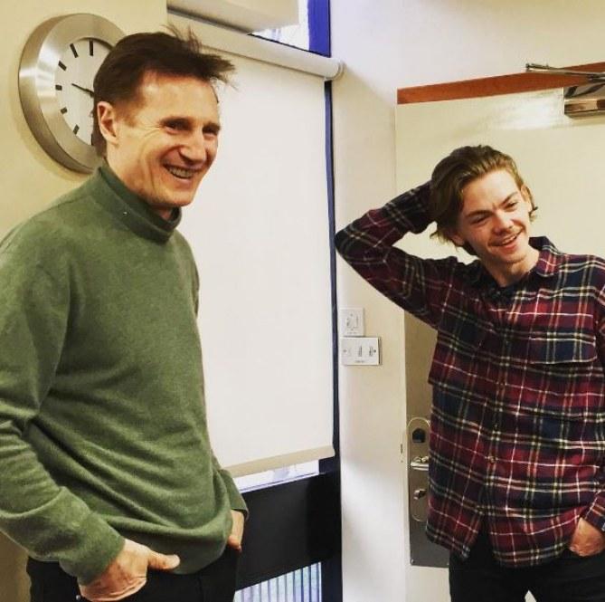 Liam Neeson et Thomas Brodie-Sangster