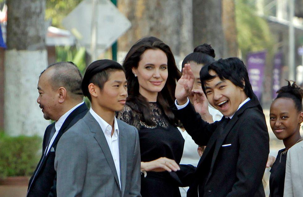 Angelina Jolie reaparece junto a todos sus hijos en medio de su crisis familiar