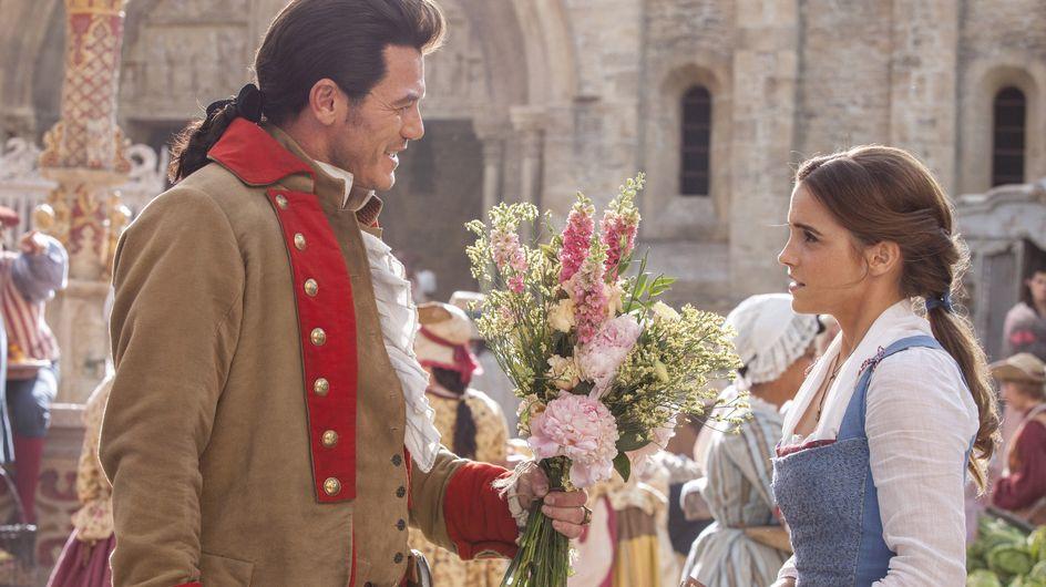 """Emma Watson chante """"Belle"""" dans un nouveau clip de """"La Belle et la Bête"""" et on adore ! (Vidéo)"""