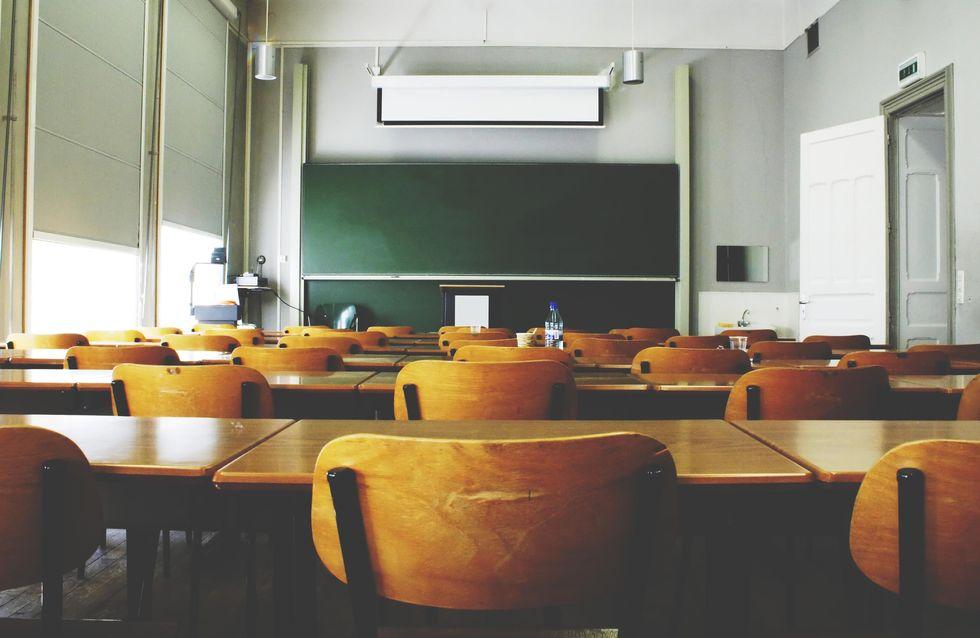 Diplômée et sourde, cette prof de français est interdite d'enseigner