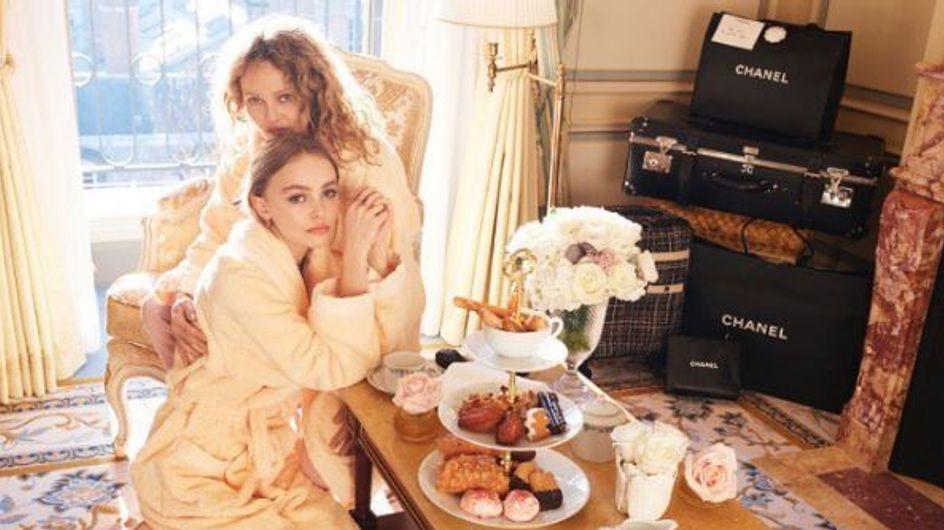 Lily-Rose et Vanessa Paradis, mère et filles stylées réunies pour la bonne cause (Photos)